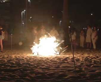 fiesta-en-la-playa-de-gandia