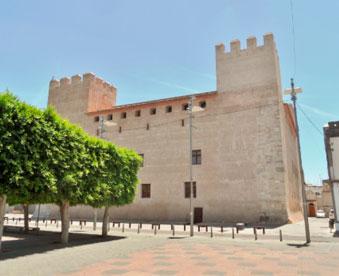 Castillo-palacio-de-mudanzas-Alacuás