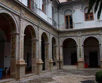 Claustro-del-antiguo-convento-de-San-Agustín