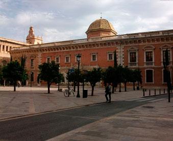 La-Nau,-Universidad-de-Valencia.en-mudanzas-valencia
