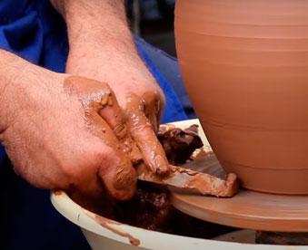 elaboracion-de-ceramica-en-manises